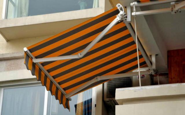 Retractable-awning-kain-sunbrella-salur